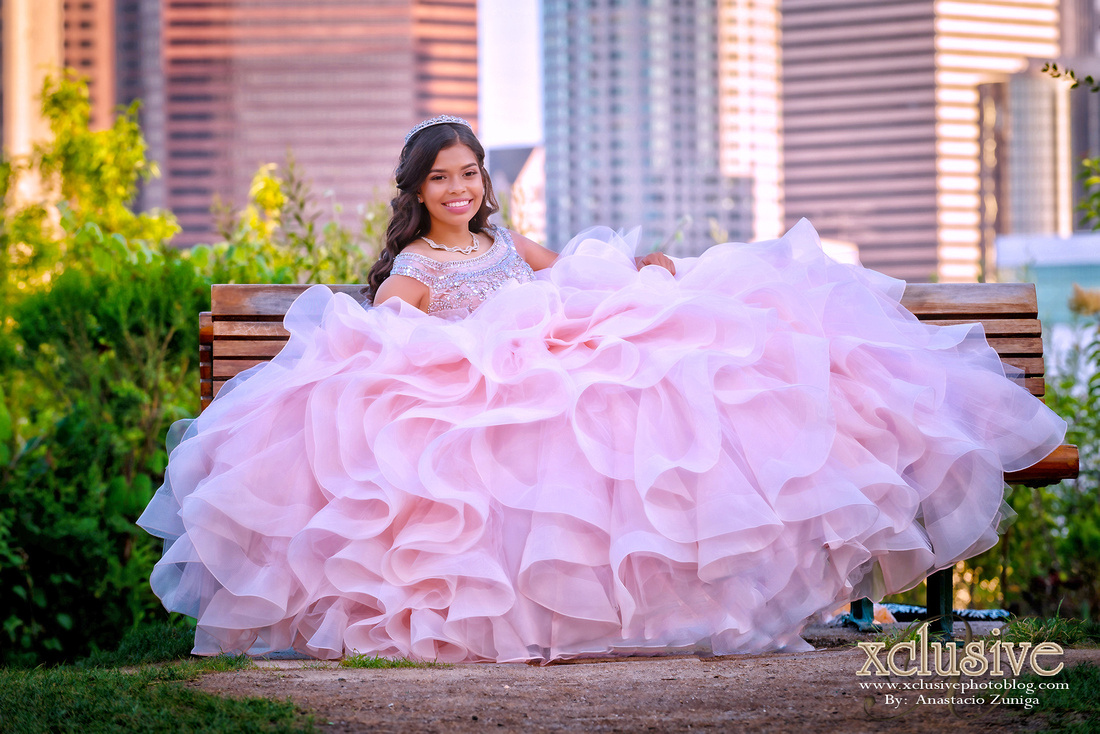 Wedding and Quinceanera photographer in los angeles,san Gabriel Valley,: Stephanie Quince session previa en DTLA, &emdash; Pre session de Quinceanera en DTLA en el Grand Park
