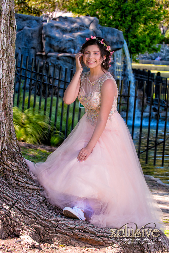 Wedding and Quinceanera photographer in los angeles,san Gabriel Valley,: Belen 15 Pictures Quinceanera profesional photographer in West Covina, Chino Hills, Ontario, Walnut &emdash; Belem-39