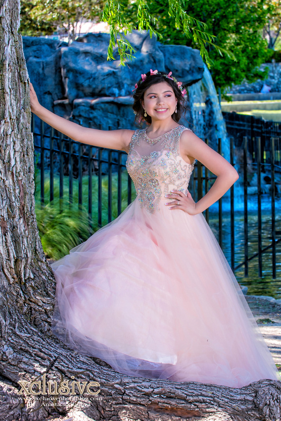 Wedding and Quinceanera photographer in los angeles,san Gabriel Valley,: Belen 15 Pictures Quinceanera profesional photographer in West Covina, Chino Hills, Ontario, Walnut &emdash; Belem-36